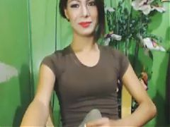 Hottie Tranny Do A Massive Handjob On Cam^5:00